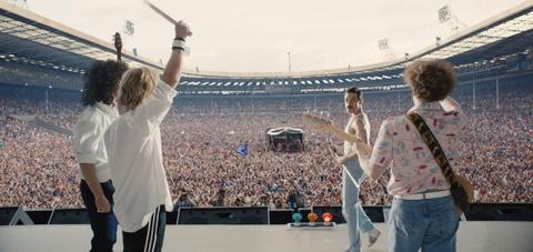 Vi sao phim 'Bohemian Rhapsody' thang lon du bi bao chi che bai? hinh anh 4