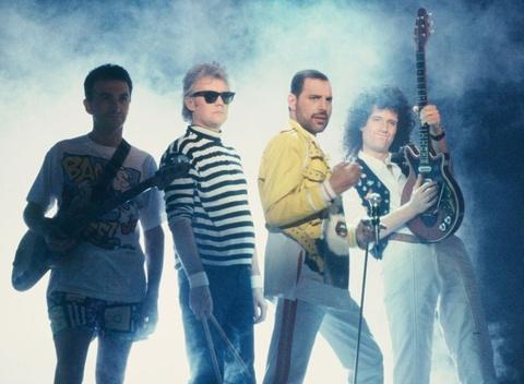 Vi sao phim 'Bohemian Rhapsody' thang lon du bi bao chi che bai? hinh anh 2
