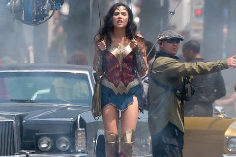 Phim sieu anh hung 'Wonder Woman 1984' chinh thuc dong may hinh anh