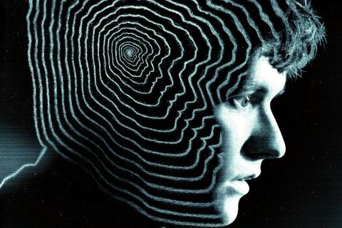 'Black Mirror: Bandersnatch' - Khi ket phim nam trong tay khan gia hinh anh