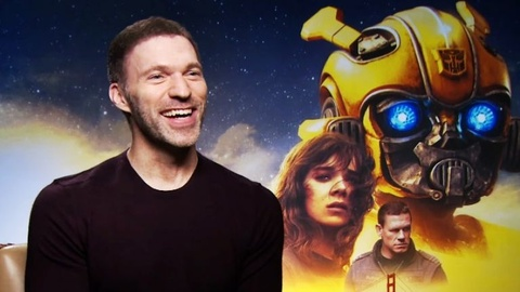 Dao dien Travis Knight tra loi Zing.vn ve 'Bumblebee' hinh anh