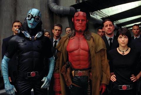 'Hellboy' (2019) - bao luc va dam mau nhung noi dung nham chan hinh anh 2