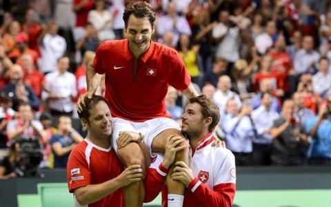 Federer phan khich khi giup Thuy Sy vao CK Davis Cup hinh anh