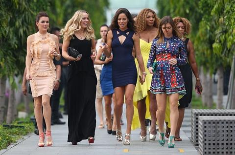 Dan hoa khoi quan vot do bo xuong Singapore du WTA Finals hinh anh