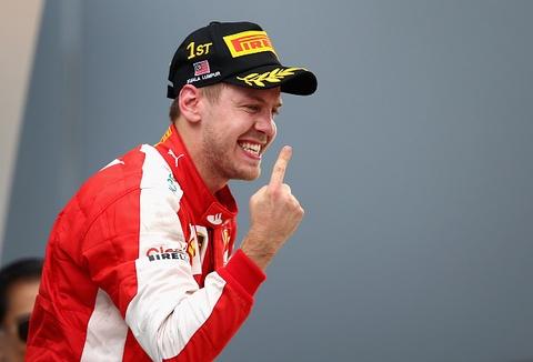 Vettel bat ngo dang quang Malaysian GP hinh anh