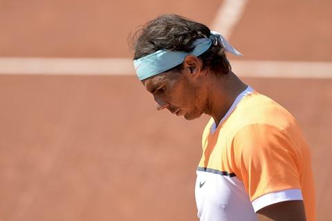 Nadal bi loai o vong 3 Barcelona Open hinh anh