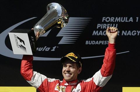 Vettel vo dich Hungarian GP trong chang dua nhieu bien co hinh anh