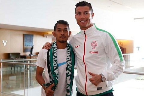 Ronaldo tai ngo 'cau be song than' nguoi Indonesia hinh anh