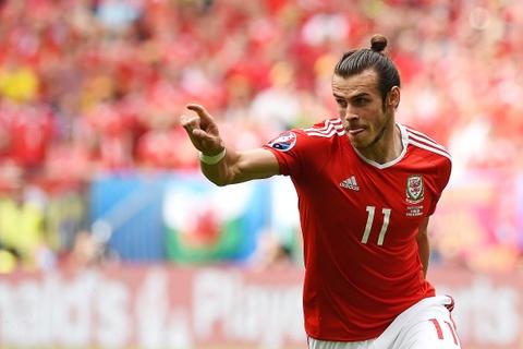 Bale toa sang giup xu Wales gianh chien thang lich su hinh anh 3
