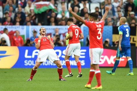 Bale toa sang giup xu Wales gianh chien thang lich su hinh anh 11