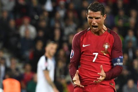 Cham diem Bo Dao Nha: That vong Ronaldo hinh anh 12