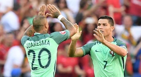 Ronaldo cung Bo Dao Nha vao tu ket nho ban thang vang hinh anh