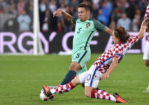 Cham diem Croatia vs BDN: Phut thang hoa bat chot cua CR7 hinh anh 17