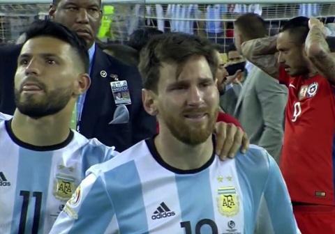 Messi oa khoc, tuyen Argentina cui dau hinh anh 5