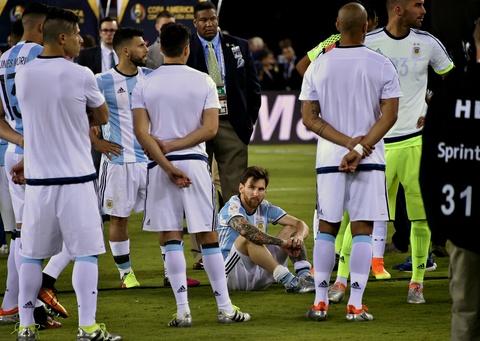 Messi oa khoc, tuyen Argentina cui dau hinh anh 8