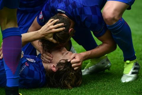 Muon kieu nu hon tai Euro 2016 hinh anh 19