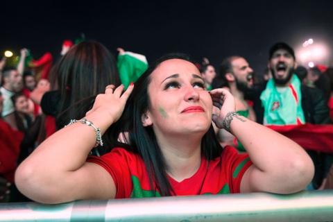 Fan Bo Dao Nha vo oa trong niem vui vao chung ket Euro hinh anh 7