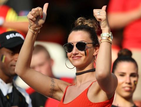 Top 10 nang WAGs noi bat tren khan dai Euro 2016 hinh anh 5