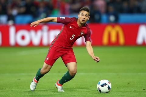 Top 10 ngoi sao tang gia chong mat sau Euro 2016 hinh anh 9
