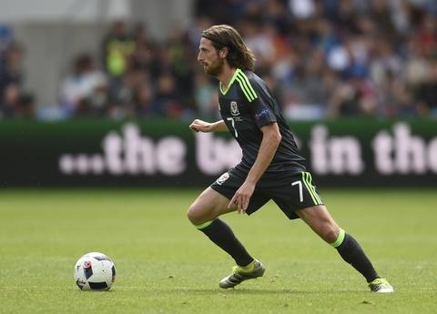 Top 10 ngoi sao tang gia chong mat sau Euro 2016 hinh anh 8