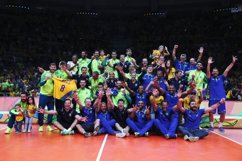 Neymar co vu tuyen bong chuyen nam Brazil gianh HCV hinh anh 13