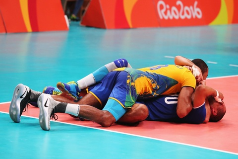 Neymar co vu tuyen bong chuyen nam Brazil gianh HCV hinh anh 10