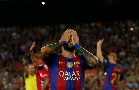 Barca thua soc tan binh ngay tai Nou Camp hinh anh 3