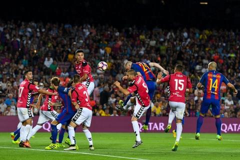 Barca thua soc tan binh ngay tai Nou Camp hinh anh 5