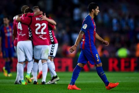 Barca thua soc tan binh ngay tai Nou Camp hinh anh 8