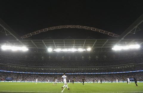 Tottenham bai tran trong ngay lap ky luc tai Wembley hinh anh 1
