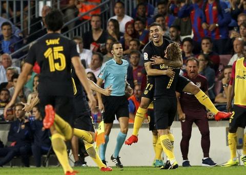 Messi chan thuong, Barca de Atletico cam hoa tai Nou Camp hinh anh 10