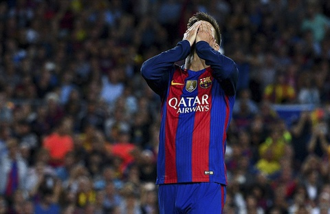 Messi chan thuong, Barca de Atletico cam hoa tai Nou Camp hinh anh 13