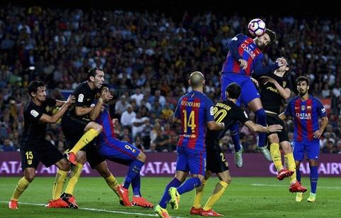 Messi chan thuong, Barca de Atletico cam hoa tai Nou Camp hinh anh 12