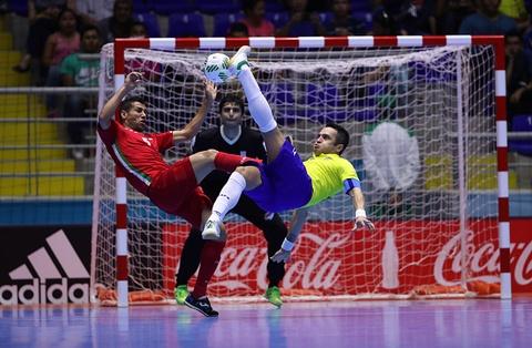 Tuyen Iran tri an 'Vua futsal' Falcao sau tran thang lich su hinh anh 5