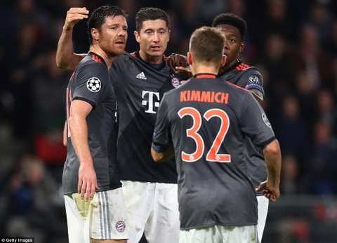 Bayern nguoc dong, gianh ve vao vong knock-out hinh anh 3