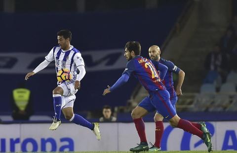 Messi ghi ban, Barca van tut lai o cuoc dua voi Real hinh anh 8