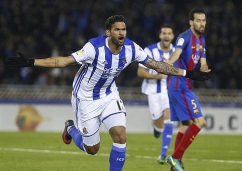 Messi ghi ban, Barca van tut lai o cuoc dua voi Real hinh anh 4