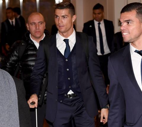 Ronaldo chac chan vang mat o le trao Qua bong vang hinh anh 5