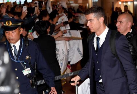 Ronaldo chac chan vang mat o le trao Qua bong vang hinh anh 3