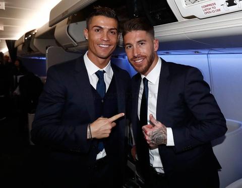 Ronaldo chac chan vang mat o le trao Qua bong vang hinh anh 6