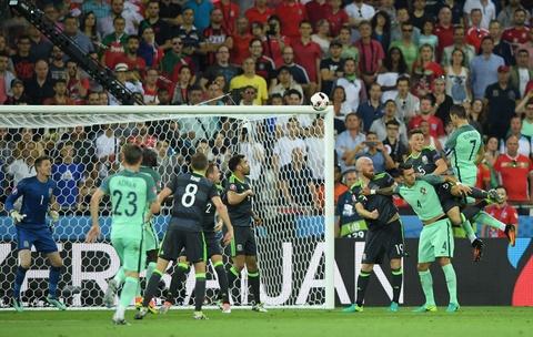 Nhung khoanh khac giup Ronaldo gianh Qua bong vang hinh anh 9