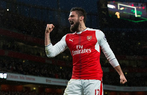 Giroud lap sieu pham 'bo cap' giup Arsenal tro lai top 3 hinh anh