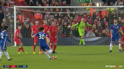 Diego Costa da hong phat den, Chelsea hoa Liverpool 1-1 hinh anh 5