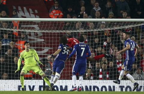 Diego Costa da hong phat den, Chelsea hoa Liverpool 1-1 hinh anh 8