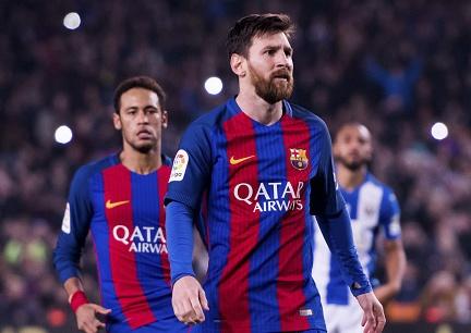 Nguyen nhan Messi khong an mung cu dup ban thang hinh anh