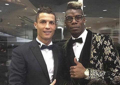 Ronaldo ngan can Real de MU mua Pogba hinh anh