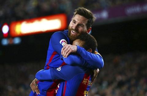 Messi lap cu dup ban thang va kien tao, Barca doi lai ngoi dau hinh anh 6