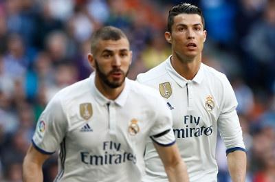 Real Madrid 3-0 Alaves: Ronaldo sam vai kien tao hinh anh