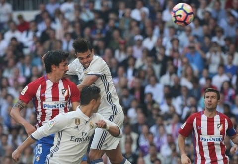 Ronaldo tiec nuoi vi ban thang bi can pha tren vach voi hinh anh 6