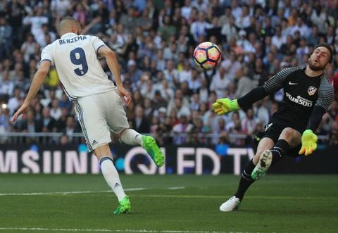 Ronaldo tiec nuoi vi ban thang bi can pha tren vach voi hinh anh 7